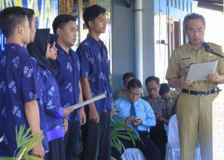 Pelantikan Pengurus Rumah Data Kampung KB Cembing
