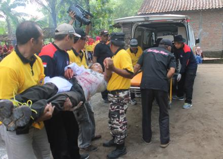 Evakuasi Korban Kebakaran 2